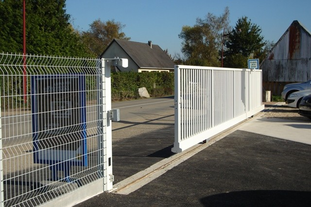 portail coulissant sur rail - clôtures bataille